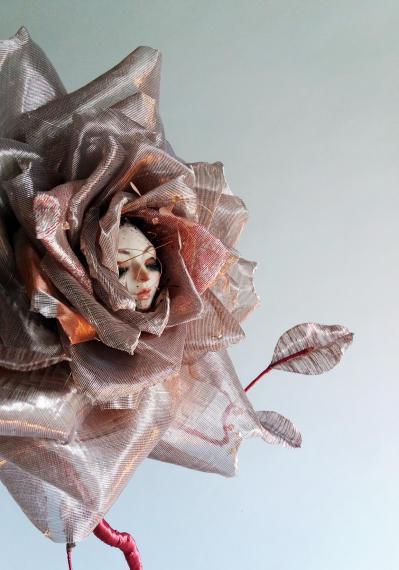 01 rose details lcd isabelle leourier m o 2018