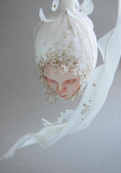 14 pupa blanca detail isabelle leourier 2019